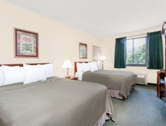 Chenango Inn & Suites Photo