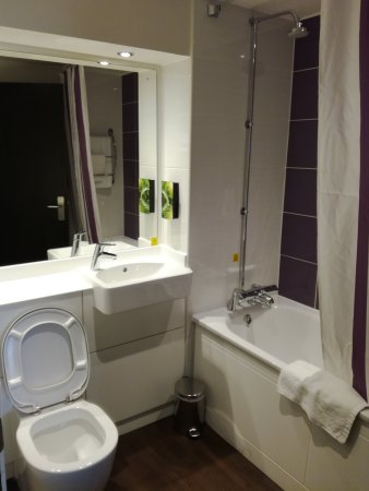 Premier Inn London Kew Hotel: IMG_20170330_153709_large.jpg