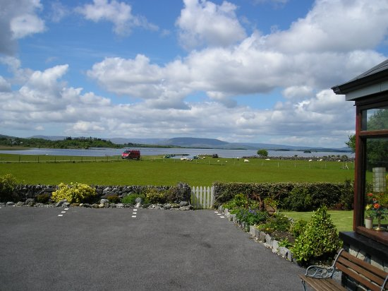 Oughterard, Irlanda: View from guest rooms, lounges etc