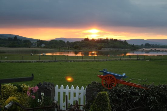 Oughterard, Irlanda: View from house