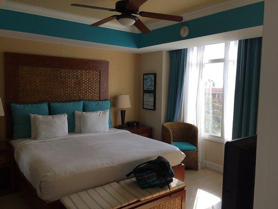 Divi Aruba Phoenix Beach Resort: One bedroom King