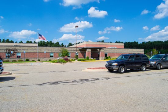 Cadillac, MI : Beautiful Facility! Staff is friendly and facilities are clean!