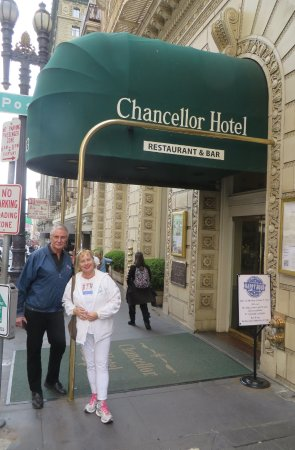 Chancellor Hotel on Union Square: Hotel entrance