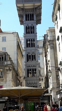 Santa Justa Lift : Ascenseur vu du Baixa
