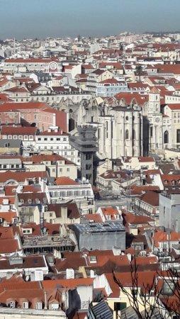 Santa Justa Lift : Aperçu de l'ascenceur Santa Justa vus du chateau St Georges