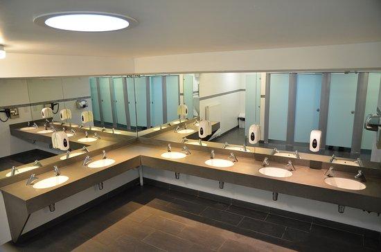 Wroxall, UK: Interior of main toilet block