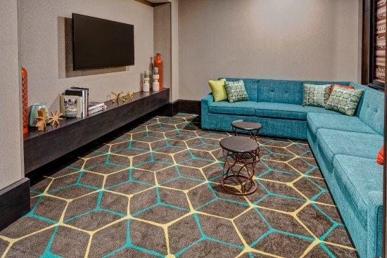 hampton inn suites nashville hendersonville 129. Black Bedroom Furniture Sets. Home Design Ideas