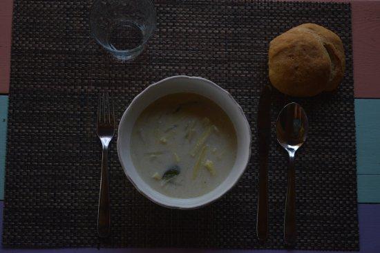 Исла-Попа, Панама: Spécialités panaméennes : soupe de cœur de palmier et pain de coco