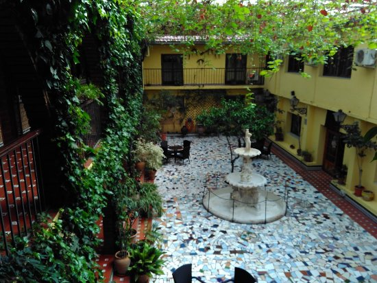 Mollina, İspanya: Interior Court Yard