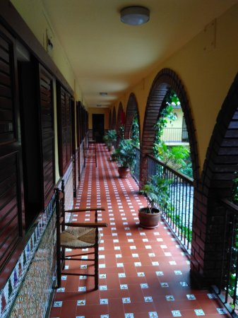 Mollina, İspanya: First Floor Verandah ovrlooking courtyard