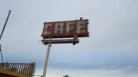 Aguila, AZ: Coyote Flats Cafe & Bar