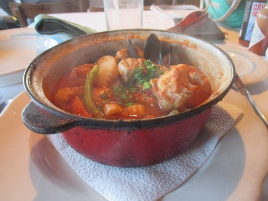 Sea Chest Oyster Bar : Cioppino