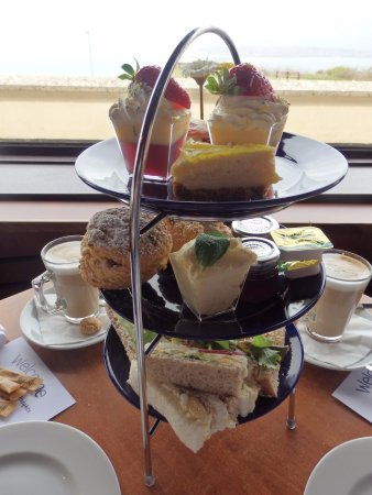 The Heights Hotel: Afternoon tea
