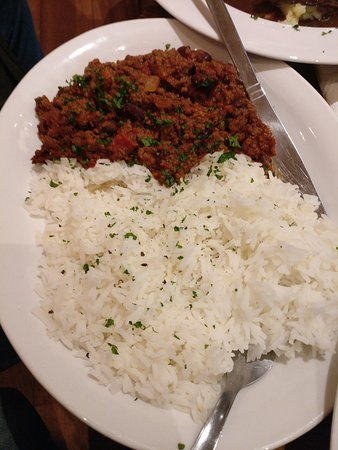 Crown and Anchor: Beef chilli con carne served with rice