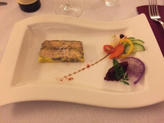 Villefranche-de-Lonchat, Francja: Voici un petit aperçu des délicieux plats proposés par l'établissement !
