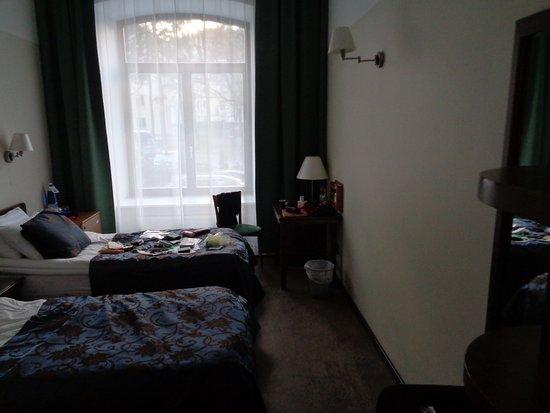 Hotel St. Barbara: Room 110,twin.