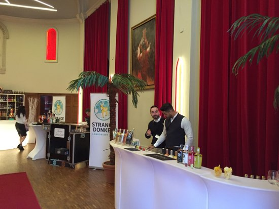 Herentals, Belgium: Gin&more festival in Hotel Karmel