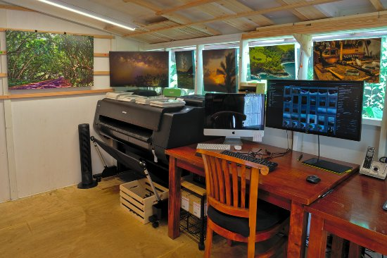 Pahoa, HI: We do all our own work right here in the gallery/studio