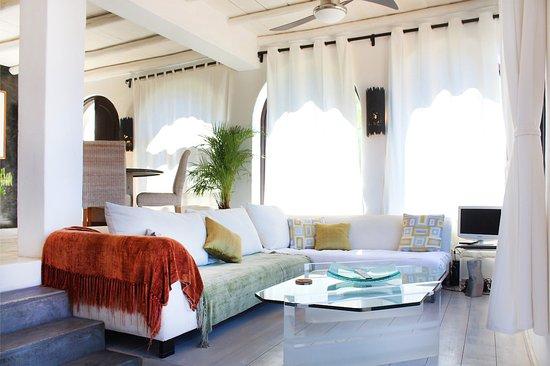 Villas La Mar: Villa #3 Living Room
