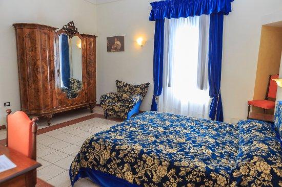 Palazzo Tour d'Eau - Abruzzo Cibus: Room 2