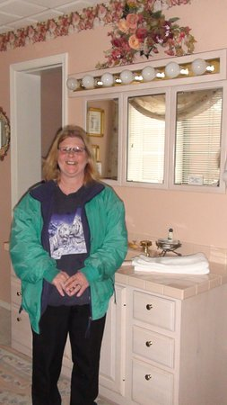 Butte, MT: Pam Loved the Gorgeous Bathrooms