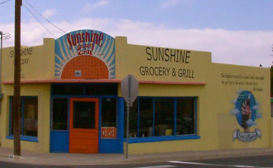 Лас-Крусес, Нью-Мексико: Built in 1918 the  Historic Sunshine Grocery on Mesquite St.