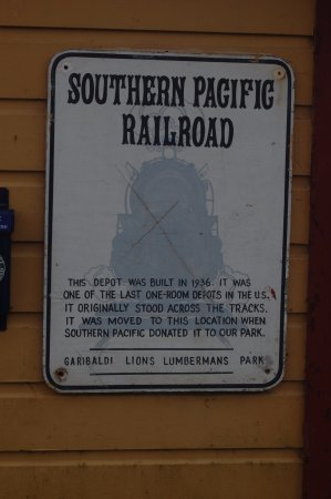 Garibaldi, OR : Sign on the station