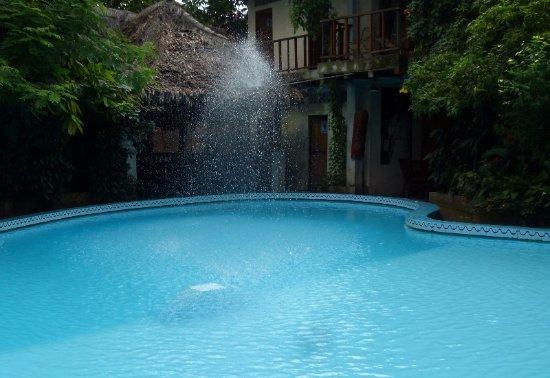 La Casa Fitzcarraldo: Bei entspannter Musik den Pool genießen