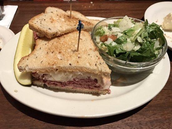 Clyde's of Reston: Corned beef sandwich