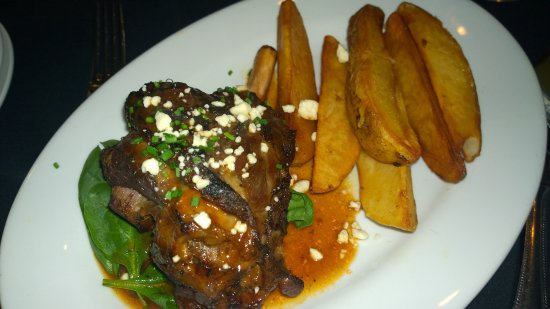 West Kennebunk, ME: Meaty lamb shanks and fries
