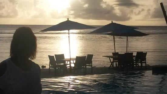 Manuia Beach Resort: 20170318_181907_large.jpg