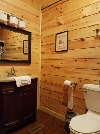 Take It Easy Cabin Bathroom 3 Picture Of Red River Gorge Rentals Rogers Tripadvisor