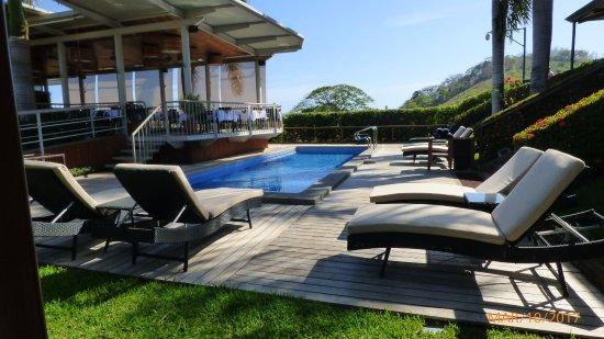 Nandayure, Costa Rica: Piscina limpia y poco profunda.