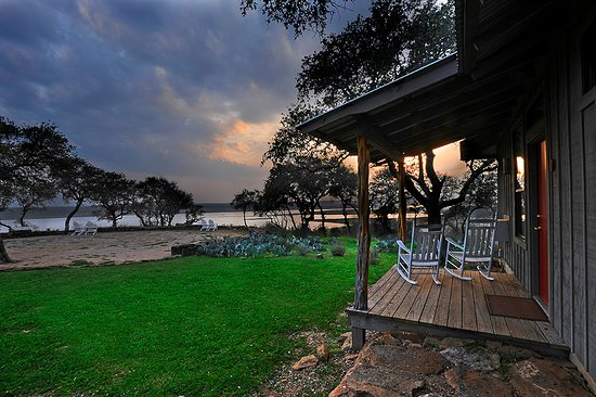 Burnet, TX: Sunset Point Porch View