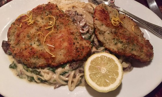 Bellinis Italian Eatery: Milanese- Breaded Chicken, mushrooms, spinach linguine in Alfredo sauce