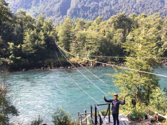 Alsur Expeditions: Base camp on riverb