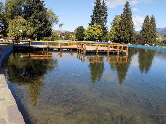 El Bolsón, Argentina: lago artificial