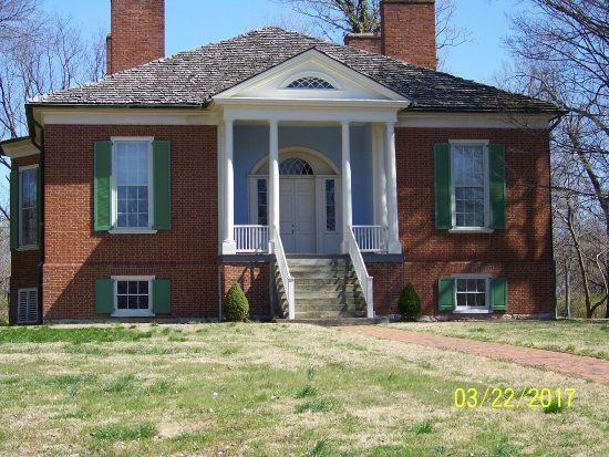 Farmington Historic Home: Plantation home