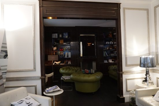 Hotel Ares Paris: w