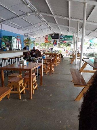 Marisqueria El Mana: Restaurant Area