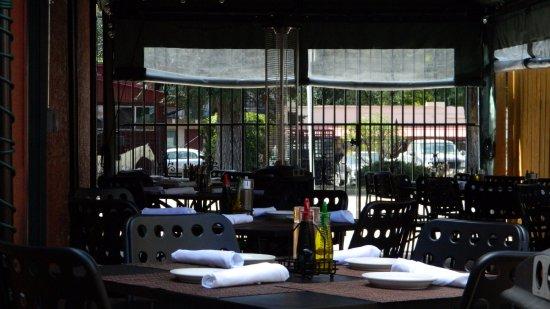 Paravicini's: Beautiful outside seating
