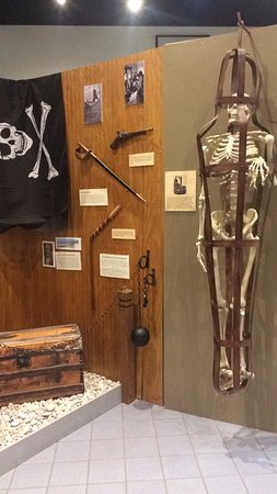 Sandusky Maritime Museum: Pirate and torture devices