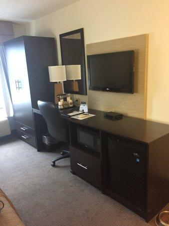 Sleep Inn : Desk, micro/fridge area