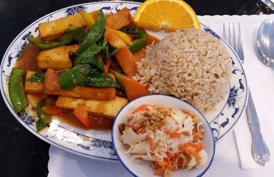 Milpitas, CA: Tofu dish with brown rice
