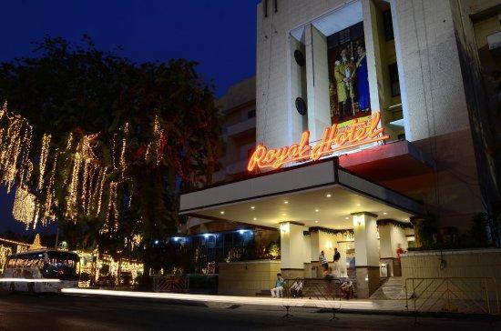 Royal Hotel Bangkok Ratchadamnoen
