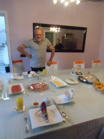 Villa Graf: délicieux etit- déjeuner, sehr feines Frühstück, delicious breakfast