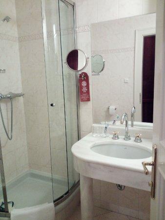Hotel Liberty: Bagno camera standard