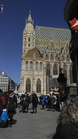 Stephansplatz: People watching from Cafe Aida