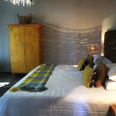 Barkly West, South Africa: Luxury double on suite bedroom with own kitchen.
