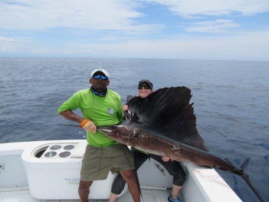 """Drake Bay, Kosta Rika: """"A fish bigger than her"""""""